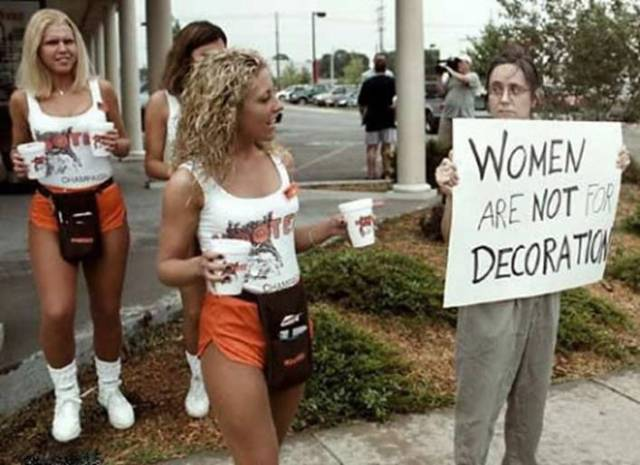 funny-picture-photo-sign-women-skyguy-pic.jpg