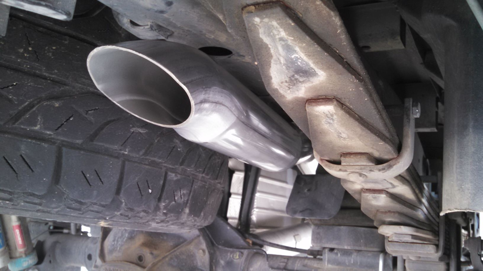 tail pipe spring and frame.jpg